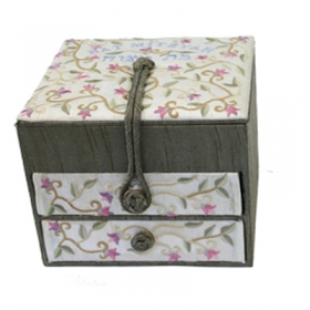 Embroidered Large Jewelry Box - Bat Miztvah